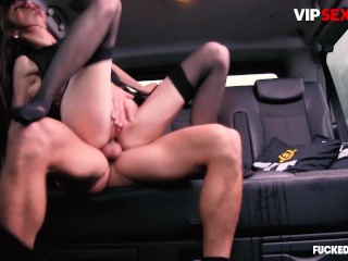 FuckedInTraffic - Arwen Gold PAWG Russian Babe Takes A Big Dick In Hardcore Car Sex - VIPSEXVAULT