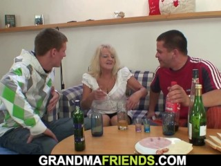 The old woman was let in a circle after the party